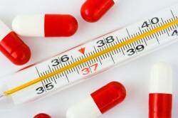 Высокая температура тела - симптом вирусного бронхита