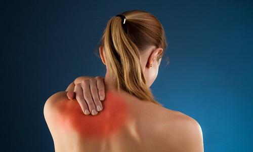 При бронхите болит спина в области лопаток